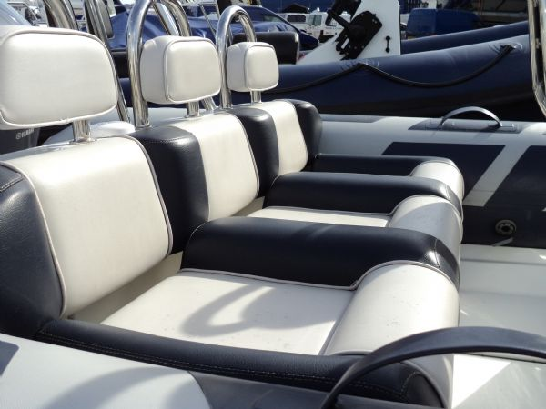 ribeye 5.5m rib with yamaha 100hp - bench seat_l