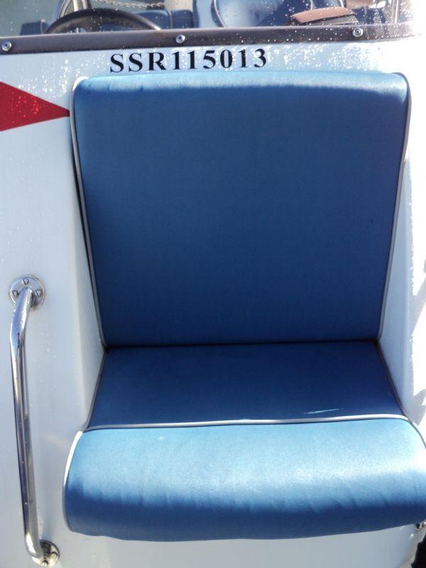 cobra 6m rib with evinrude 150hp - console seat_l