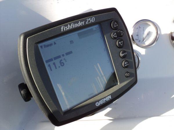cobra 6m rib with evinrude 150hp - fishfinder_l