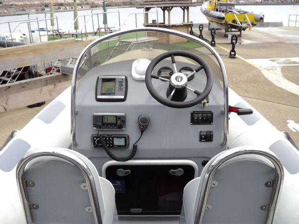 ribeye 600 rib with yamaha f115 - console and jockeys_l
