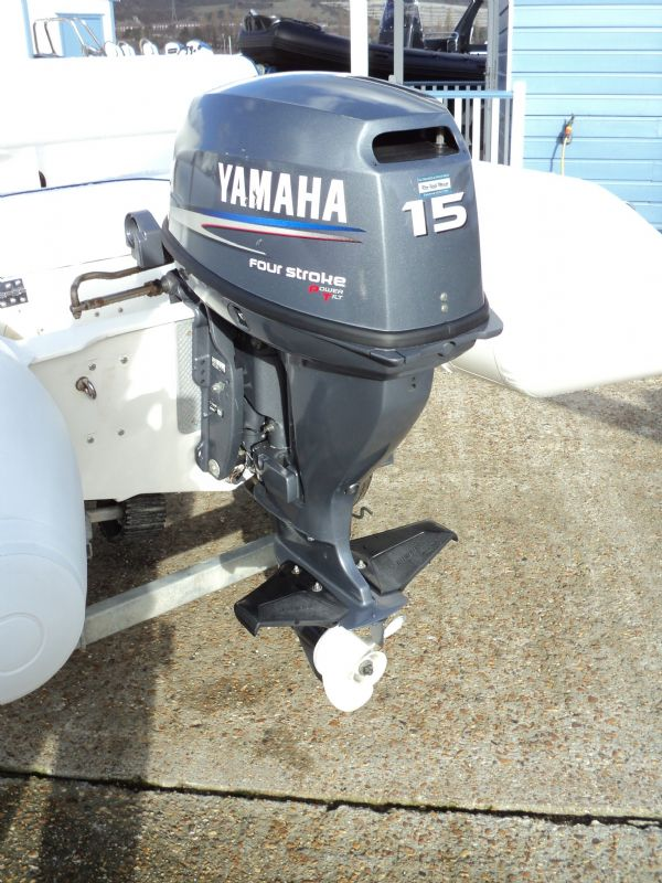 arimar 320 rib with yamaha 15 - engine_l
