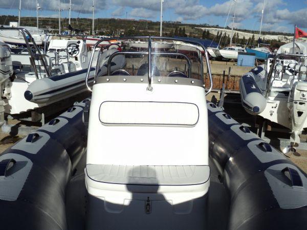 avon 560 rib with yamaha 100 - console seat_l
