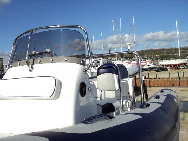 avon 560 rib with yamaha 100 - port_l