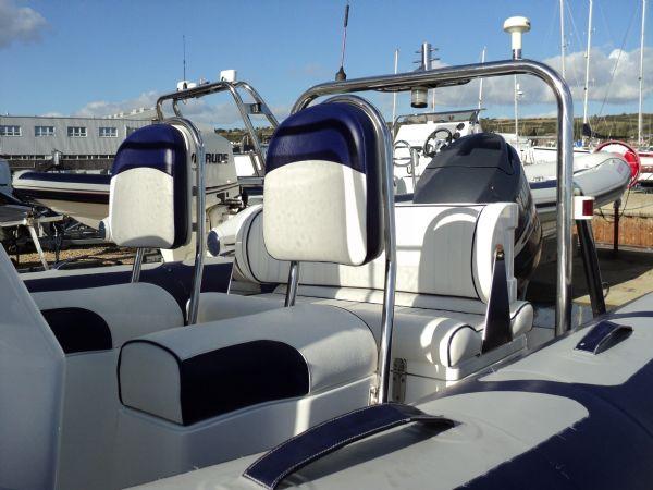 avon 560 rib with yamaha 100 - seating_l