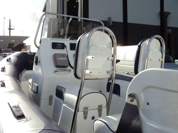 avon 560 rib with yamaha 100 -seating_l