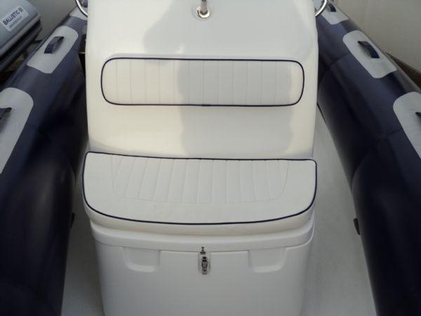 forward double console seat on avon adventure 620 rib_l