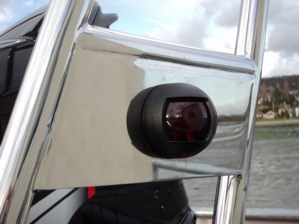 navigation light on a-frame of avon 620 rib_l