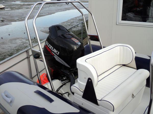 rear bench seat on avon 620 rib_l