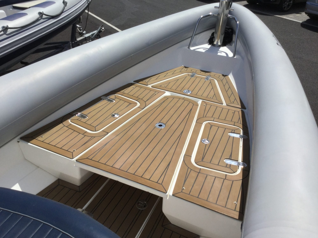 Brokerage - 1600 - Cougar R9 RIB with Steyr Diesel inboard - Bow area