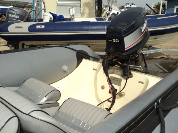 avon searider rib with yamaha 50hp outboard - engine_l