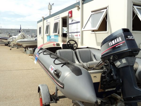 avon searider rib with yamaha 50hp outboard - stern_l