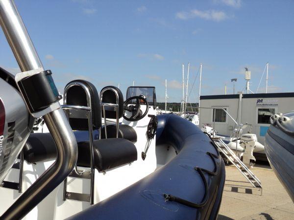 humber 5.5m rib mariner 90hp - strb stern_l