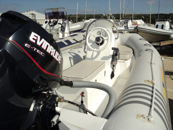 stock - excel 470 evinrude 60hp - tag 1135 stern_l