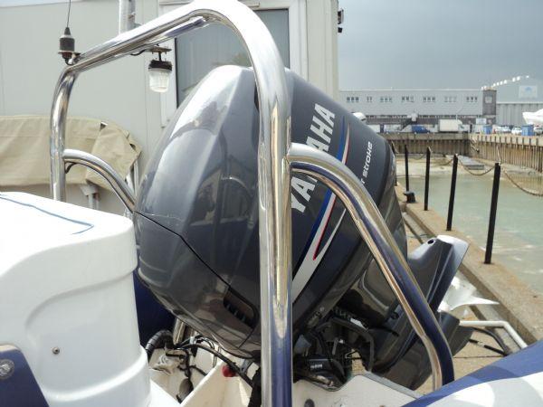 avon 620 with yamaha 115 - a-frame_l