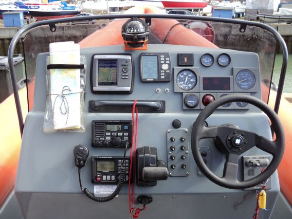 scorpion 27 with yanmar 315 - console_l