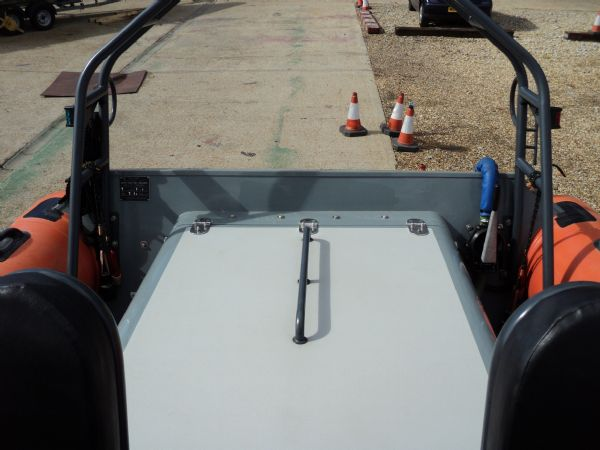 scorpion 27 with yanmar 315 - engine cover_l