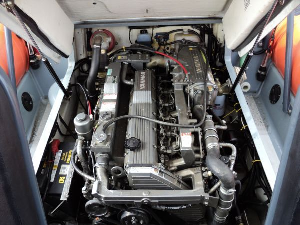 scorpion 27 with yanmar 315 - engine_l
