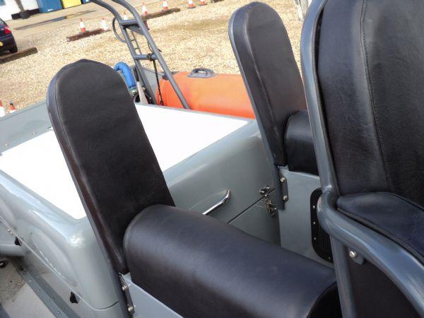 scorpion 27 with yanmar 315 - passenger seats_l