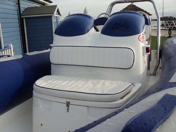 avon 560 with yamaha 100 - console seat_l
