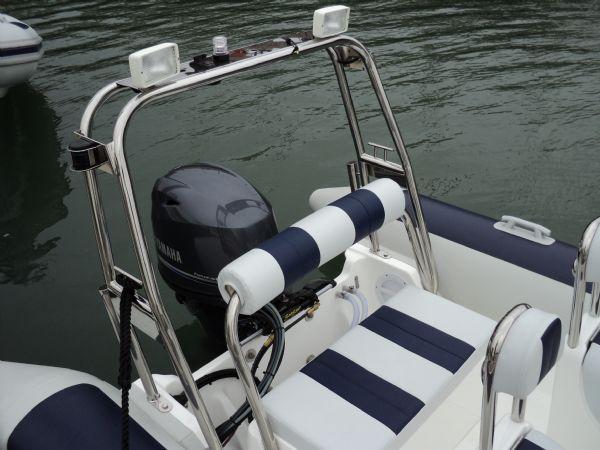 ballistic 5.5 with yamaha 70 - rear bench seat_l