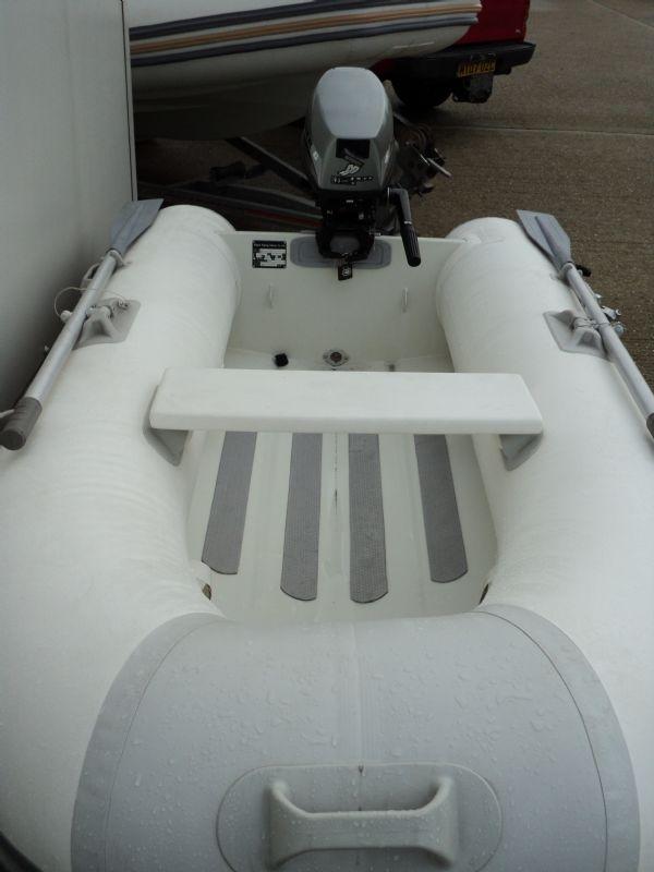 ballistic 260 aluminum hulled rib with mariner 6hp - front_l