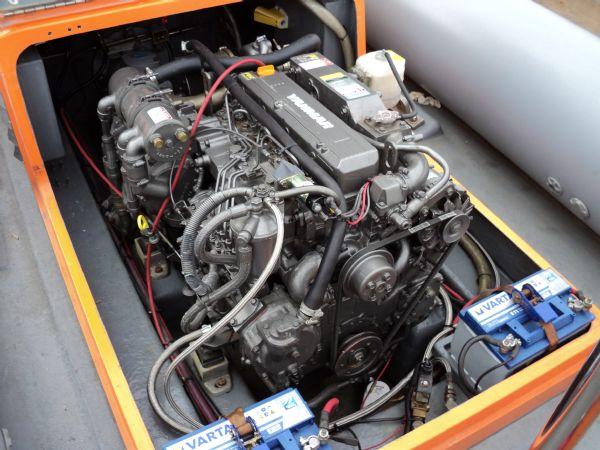 delta 6.5 with yanmar jet drive - engine_l