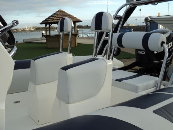 ballistic 5.5 with evinrude 90 - jockey seat and rear bench_l