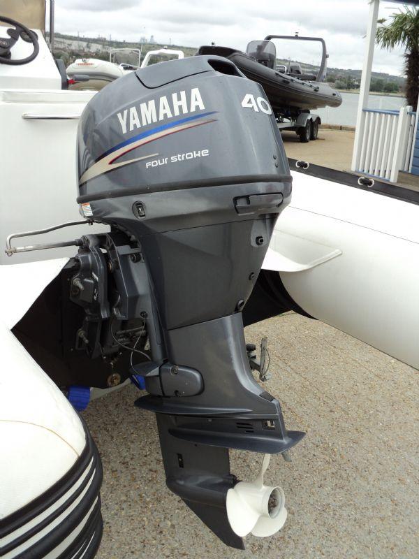 3d tender x-pro 535 defender rib with yamaha 40hp - engine_l