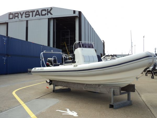 8 - rib x 750 with suzuki 225 - starboard side_l