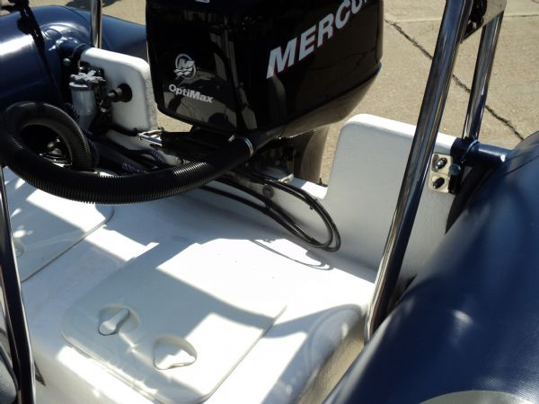 10 - xs ribs 550 with mercury 90hp optimax - rear_l