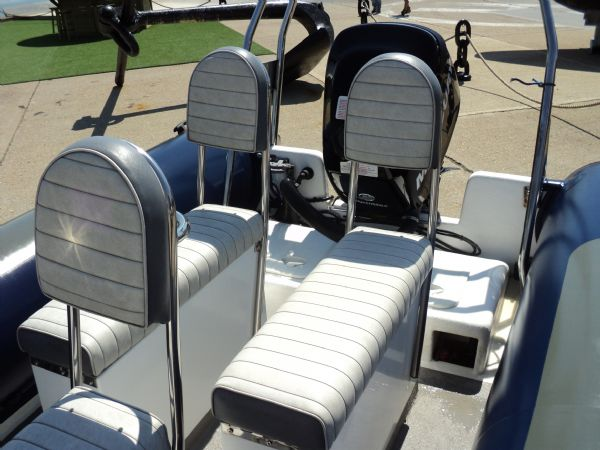 11 - xs ribs 550 with mercury 90hp optimax - jockey seats_l