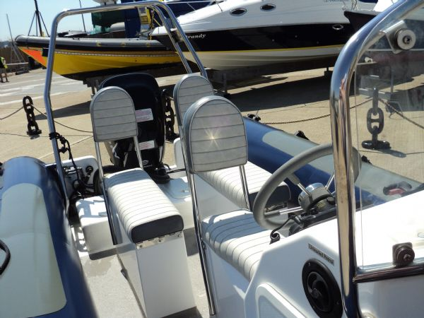 12 - xs ribs 550 with mercury 90hp optimax - seating 2_l
