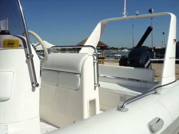 5 - brig 600 with evinrude 150 - rear seats_l