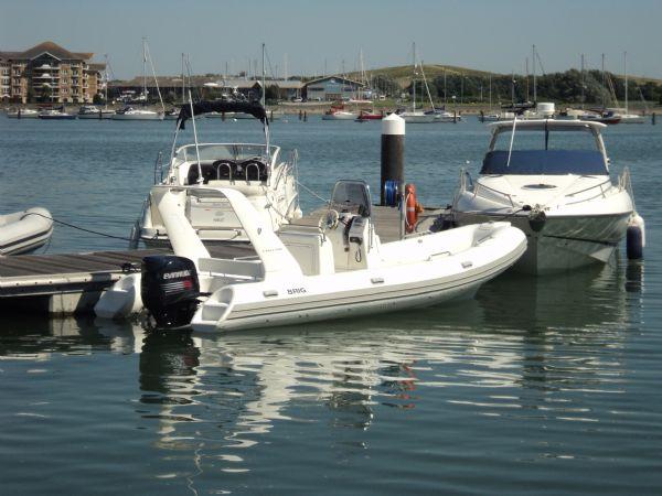 brig 600 with evinrude 150 - afloat starboard side_l
