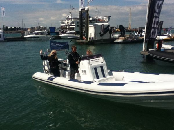 ballistic 7.8 twin rig rib with twin evinrude e-tec 175hp outboard engines - powerboat and rib show 2012 8_l