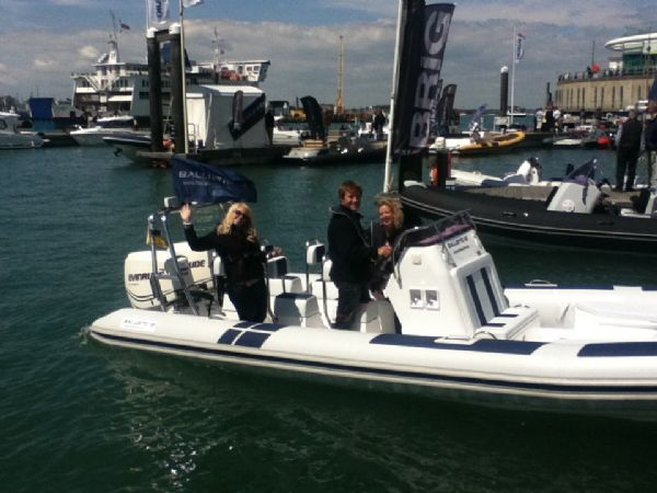 ballistic 7.8 twin rig rib with twin evinrude e-tec 175hp outboard engines - waving gunwharf quays 7_l