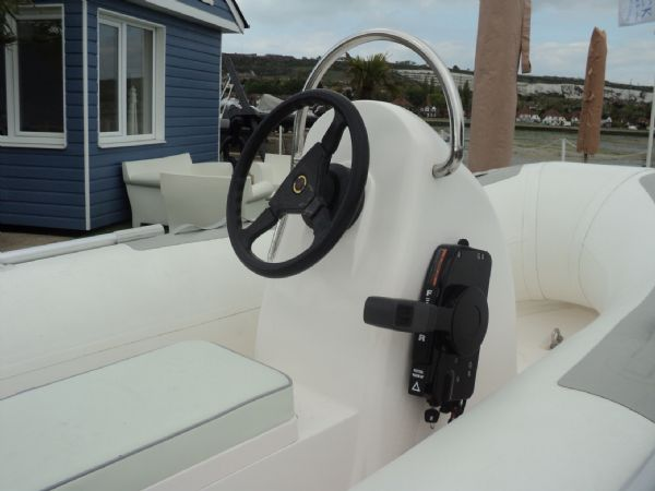 3.3m rib with tohatsu 15hp outboard engine - console 5_l