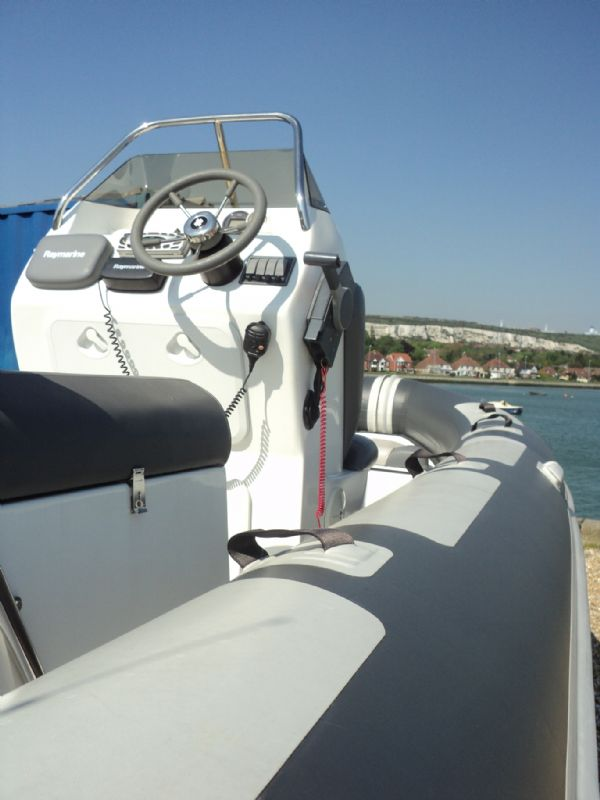 rib-x 650 rib with yamaha 150hp outboard engine - console looking forwards 7_l