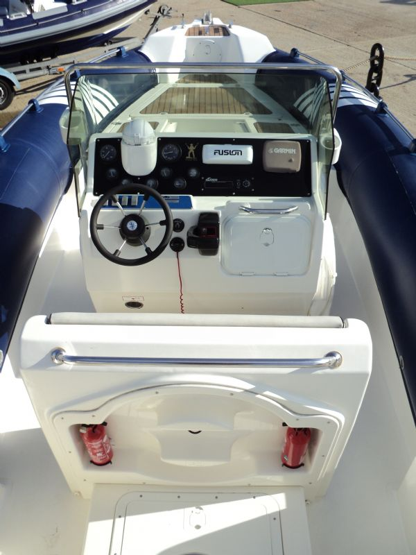 marline 22 rib with mercruiser inboard diesel engine - console and helm 6_l