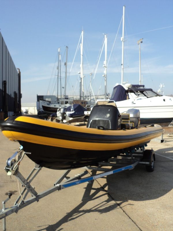 6.3m leeway rib with mariner optimax 135hp outboard engine bow 3_l