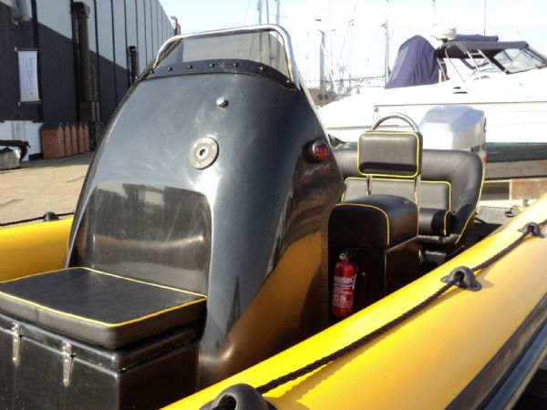6.3m leeway rib with mariner optimax 135hp outboard engine console 5_l