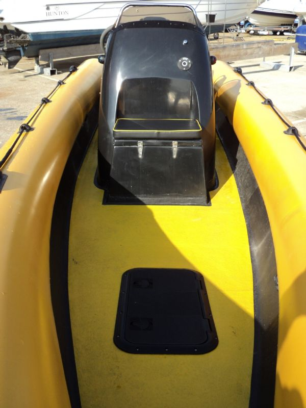 6.3m leeway rib with mariner optimax 135hp outboard engine forward bow 4_l