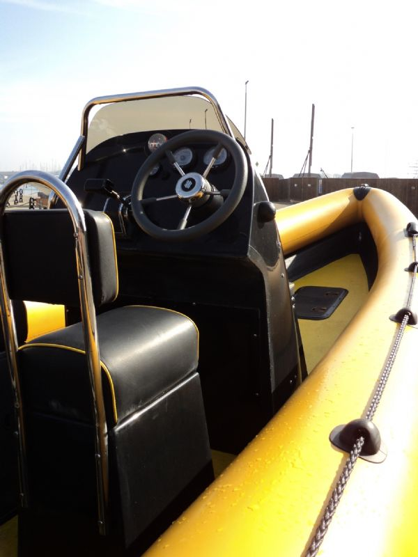 6.3m leeway rib with mariner optimax 135hp outboard engine starboard side console 9_l