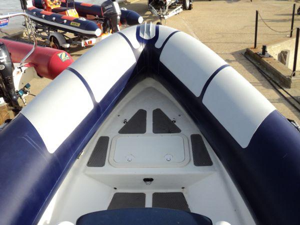 ribtec 585 rib with yamaha 4-stroke 90hp - bow locker hatch 6_l