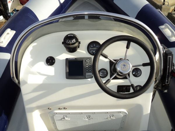 ribtec 585 rib with yamaha 4-stroke 90hp - steering console 4_l