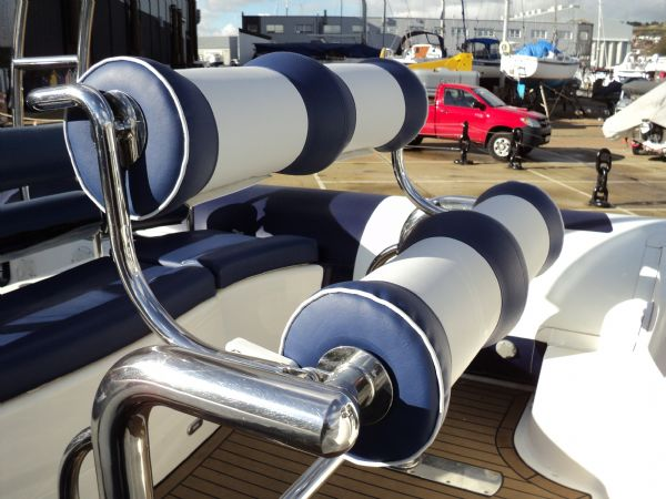 ribtec 9.2 grand tourer rib with twin 275hp - bolster seat_l