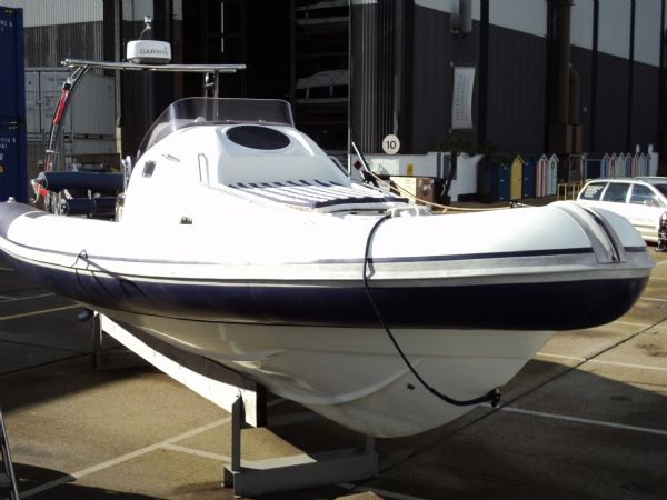 ribtec 9.2 grand tourer rib with twin 275hp - front 2_l