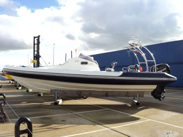 ribtec 9.2 grand tourer rib with twin 275hp - side_l