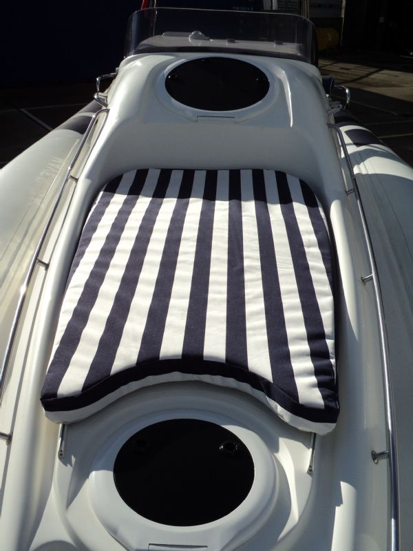 ribtec 9.2 grand tourer rib with twin 275hp - sun cushion_l