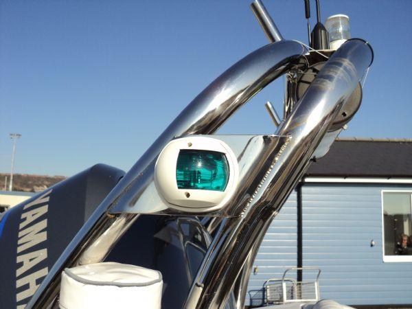 cobra 755 with yamaha f250 engine - navigation light 5_l